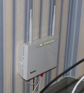 Gateway som är koppling till TV, telefoni och datorer